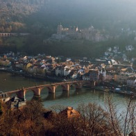 Alte Brücke, Schloss und rechts, die untere Hälfte der Bergbahn bis Molkenkur
